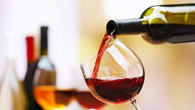 Цей гормон може вплинути на бажання випити - фото 322645