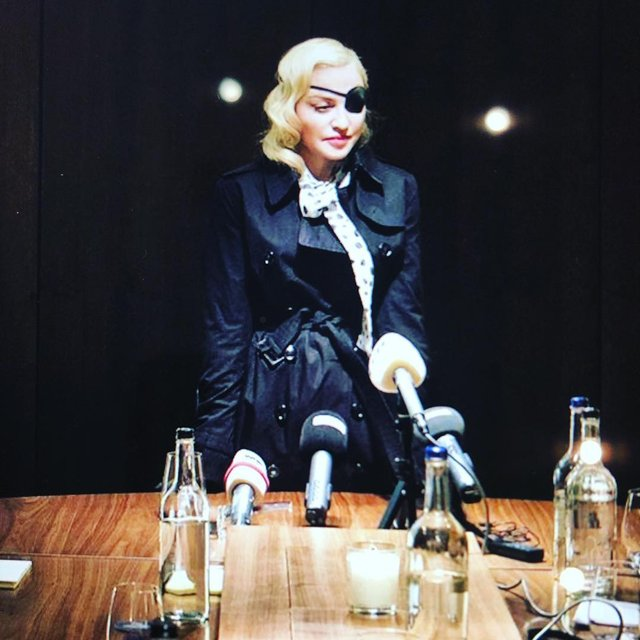 Мадонна стала піратом - фото 322705