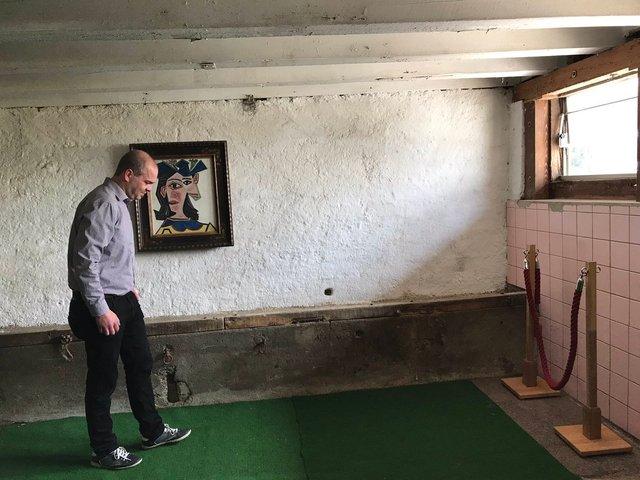 Швейцарець повісив картину Пікассо у сараї: фотофакт - фото 322727
