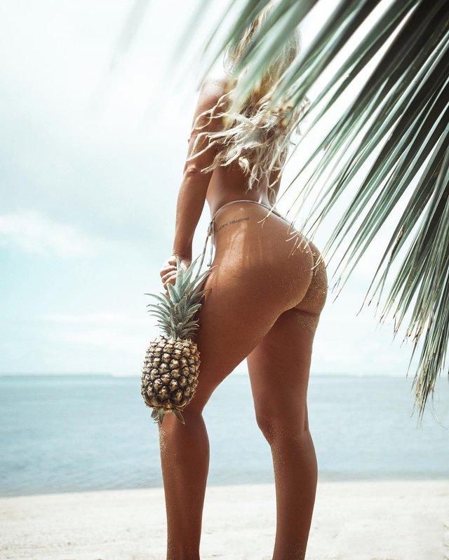 Зваблива краса: фотограф показує розкішних дівчат на пляжах (18+) - фото 322864