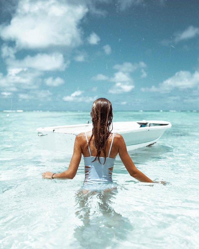 Зваблива краса: фотограф показує розкішних дівчат на пляжах (18+) - фото 322865