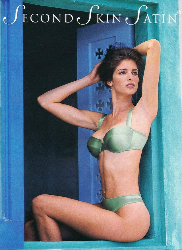 Моделі 90-х: як змінилася гаряча американка Стефані Сеймур (18+) - фото 322934