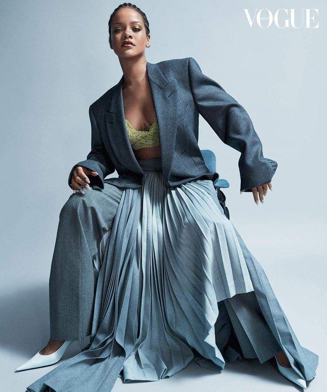 Rihanna показала апетитні форми на знімках для Vogue - фото 322992
