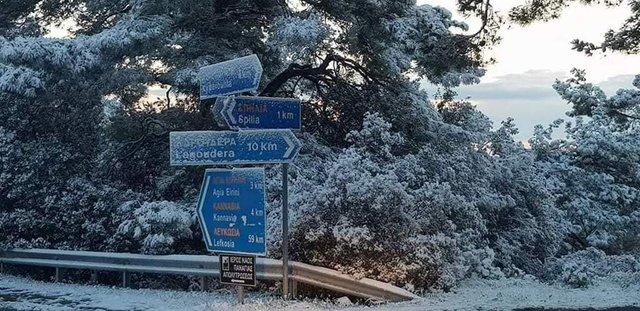 Кіпр засипало снігом: яскраві знімки