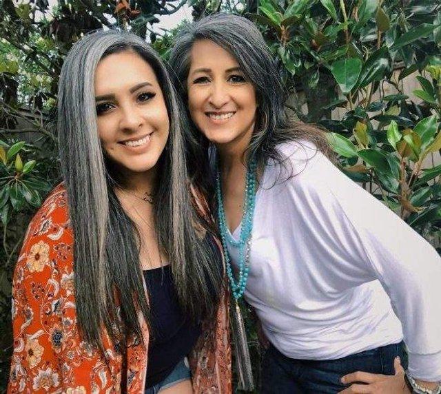 Новий тренд: чому жінки перестали зафарбовувати сивину - фото 323453