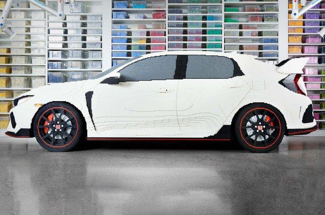 Honda Civic Type R перетворили на повнорозмірну модель Lego - фото 323620