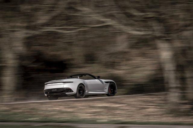 Представлений найшвидший відкритий Aston Martin в історії - фото 323643