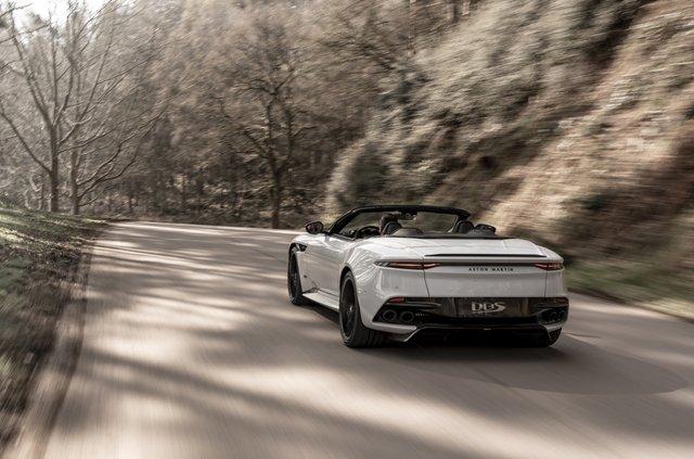 Представлений найшвидший відкритий Aston Martin в історії - фото 323646