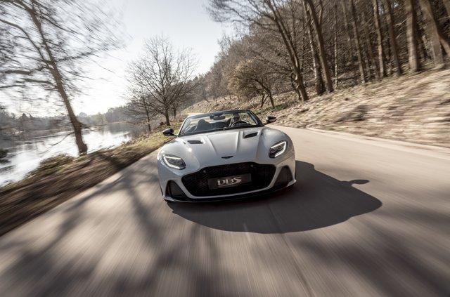Представлений найшвидший відкритий Aston Martin в історії - фото 323649