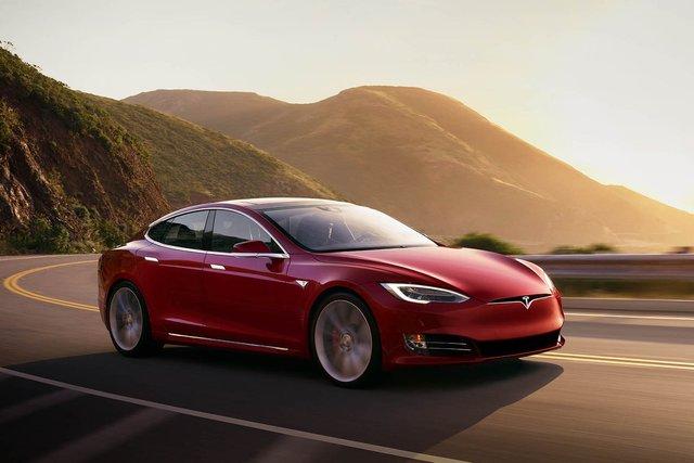 У Tesla знову знизилися прибутки за останній квартал - фото 323916