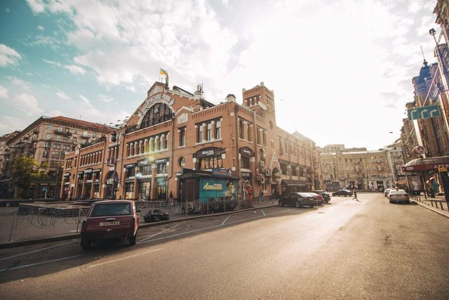 Як виглядав Київ у великодній ранок: чарівні фото - фото 324546