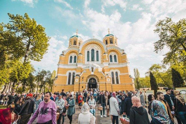 Як виглядав Київ у великодній ранок: чарівні фото - фото 324548