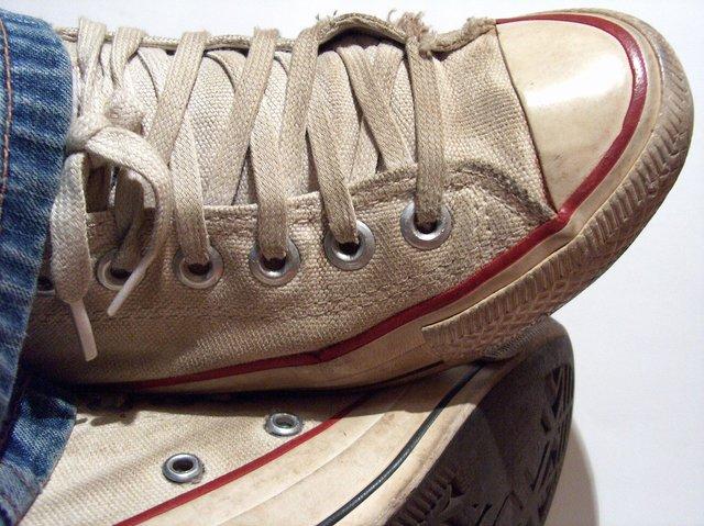 Старе взуття слід викидати   - фото 324711