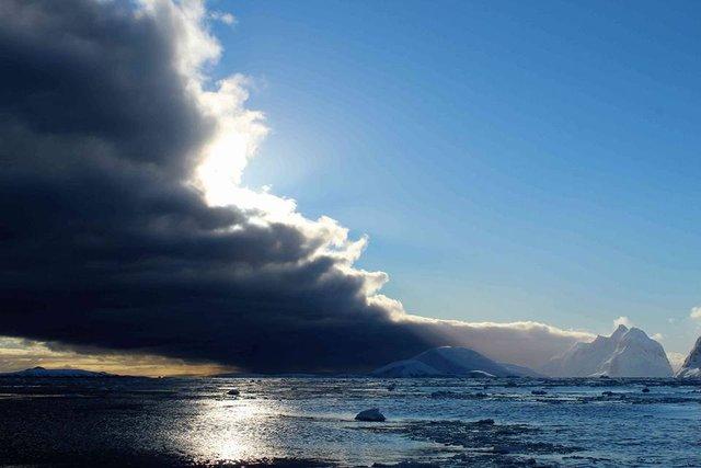 Українські полярники поділилися ефектними кадрами Антарктиди - фото 325262