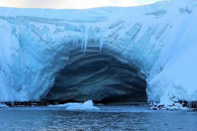 Українські полярники поділилися ефектними кадрами Антарктиди - фото 325263