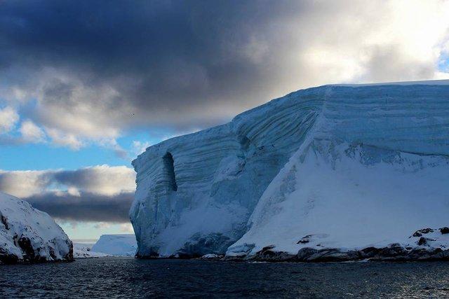 Українські полярники поділилися ефектними кадрами Антарктиди - фото 325264
