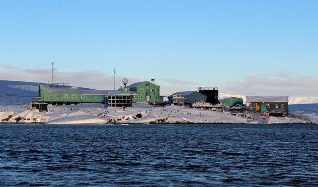Українські полярники поділилися ефектними кадрами Антарктиди - фото 325265