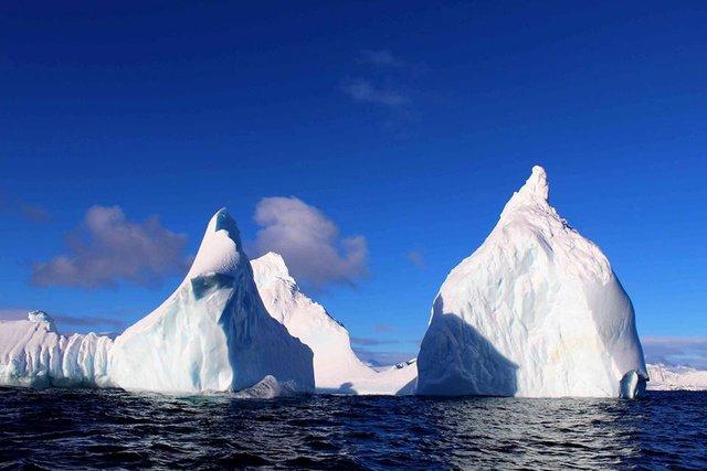 Українські полярники поділилися ефектними кадрами Антарктиди - фото 325266