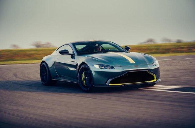 Aston Martin випустив особливу версію популярного купе Vantage - фото 325445