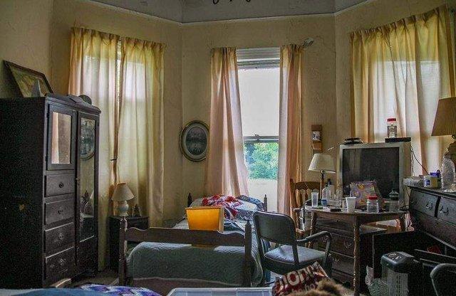 У цей будинок десятиліттями не ступала нога людини - фото 325499