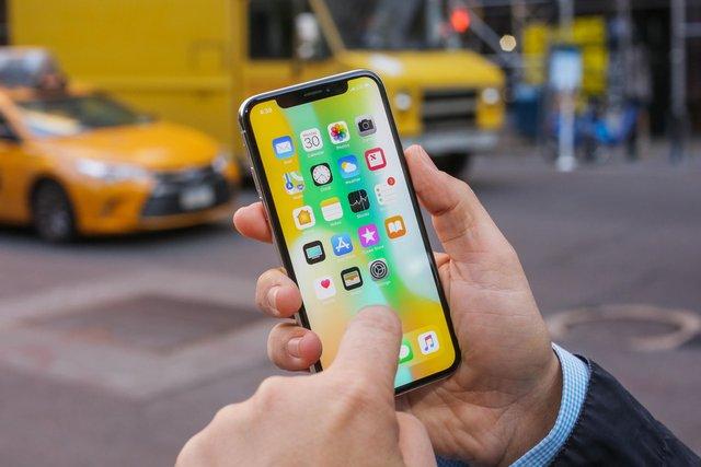 iPhone X упевнено посів 1 місце - фото 325523