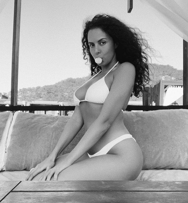 Насті Каменських – 32: найсексуальніші та найвідвертіші образи спокусливої співачки - фото 325593