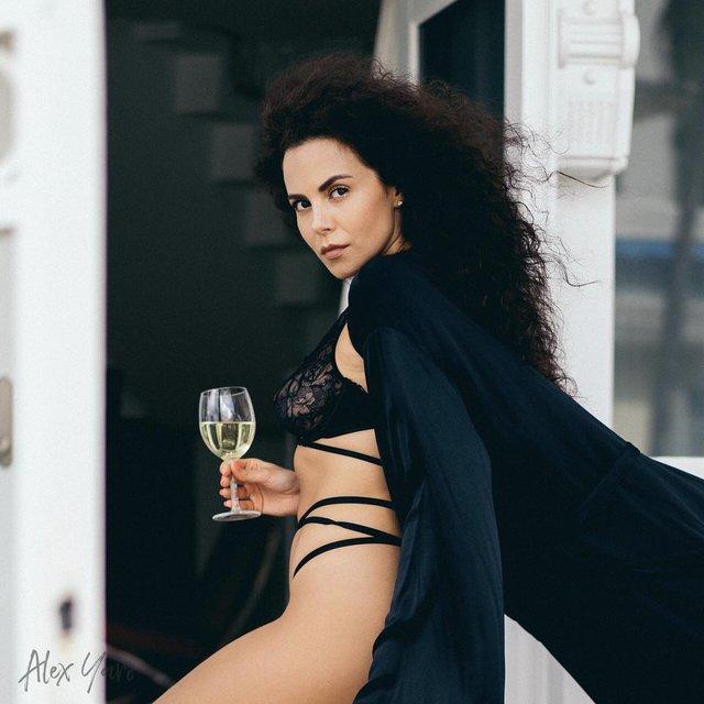 Насті Каменських – 32: найсексуальніші та найвідвертіші образи спокусливої співачки - фото 325601