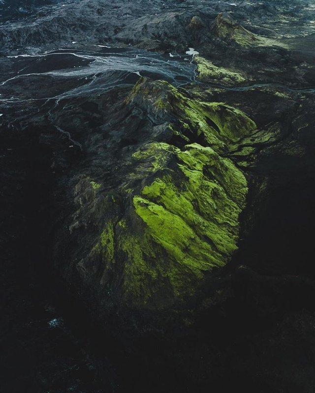 Незабутня краса Ісландії з висоти: яскраві фото мандрівника - фото 325818