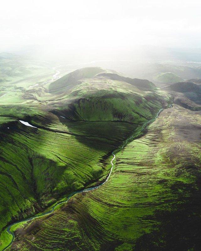 Незабутня краса Ісландії з висоти: яскраві фото мандрівника - фото 325821