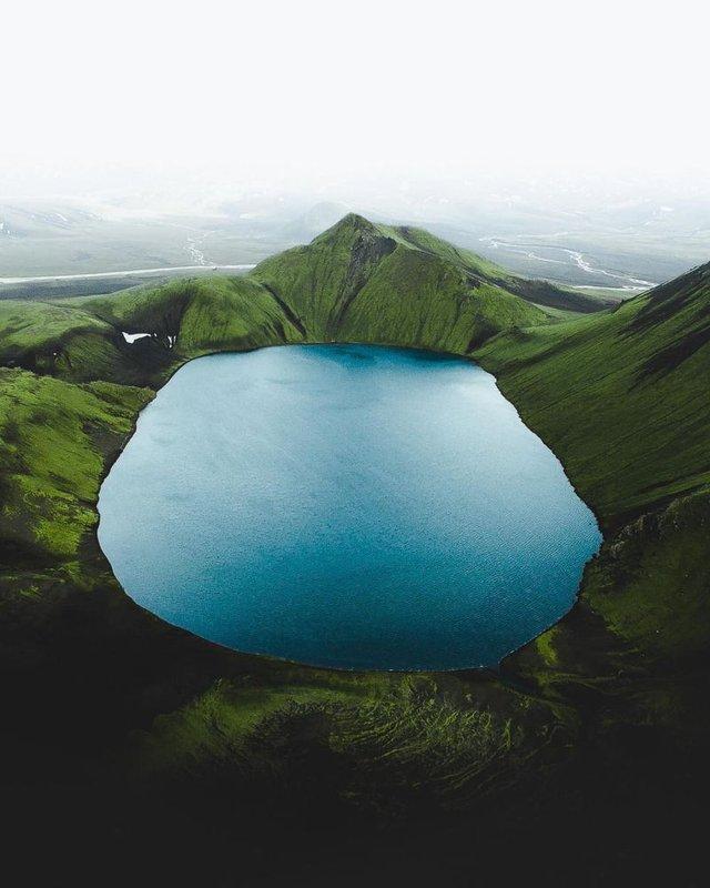 Незабутня краса Ісландії з висоти: яскраві фото мандрівника - фото 325822