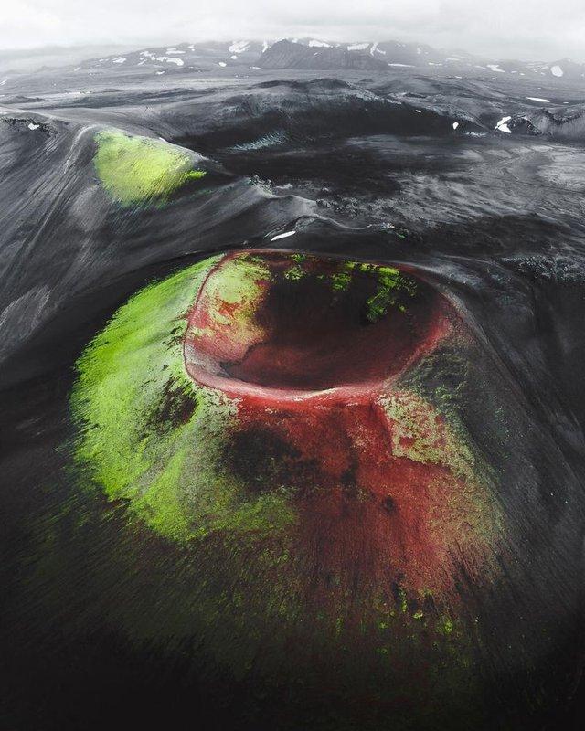 Незабутня краса Ісландії з висоти: яскраві фото мандрівника - фото 325824