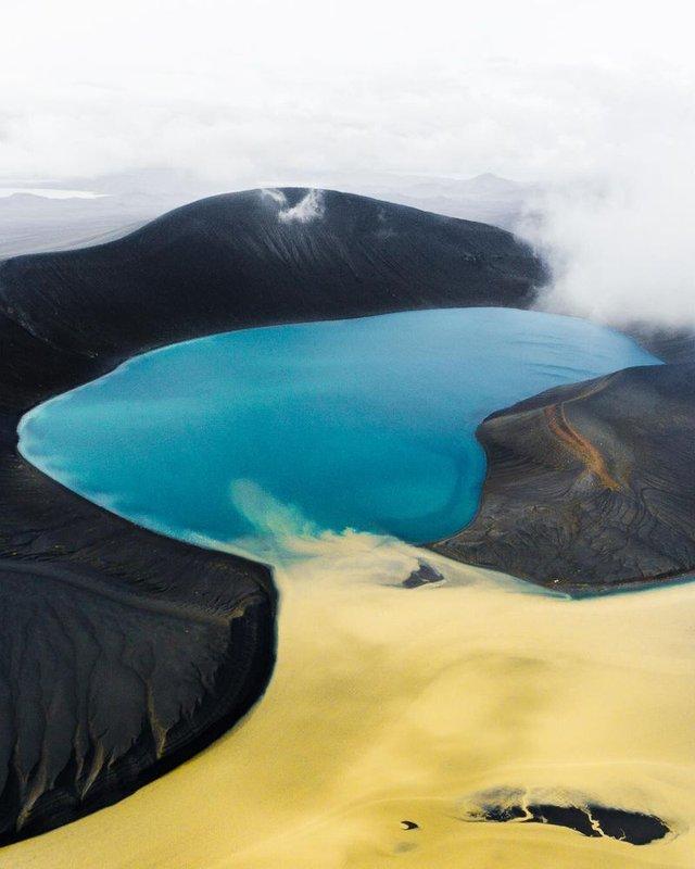 Незабутня краса Ісландії з висоти: яскраві фото мандрівника - фото 325825