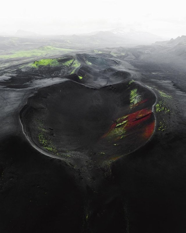 Незабутня краса Ісландії з висоти: яскраві фото мандрівника - фото 325832