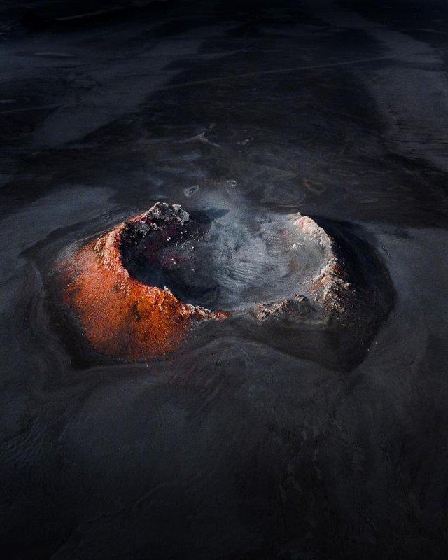 Незабутня краса Ісландії з висоти: яскраві фото мандрівника - фото 325834