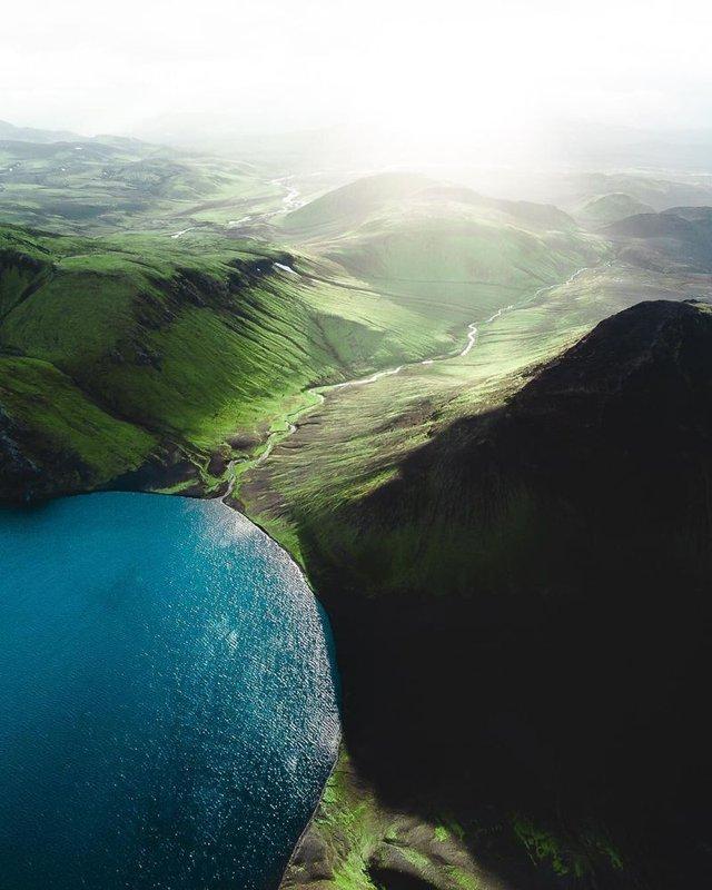 Незабутня краса Ісландії з висоти: яскраві фото мандрівника - фото 325836