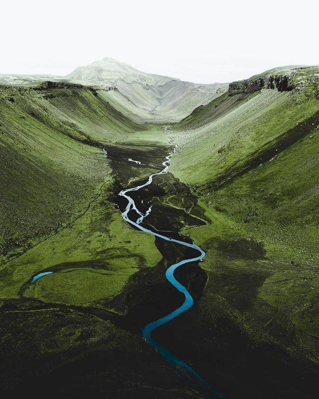 Незабутня краса Ісландії з висоти: яскраві фото мандрівника - фото 325837