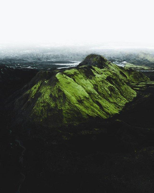 Незабутня краса Ісландії з висоти: яскраві фото мандрівника - фото 325838
