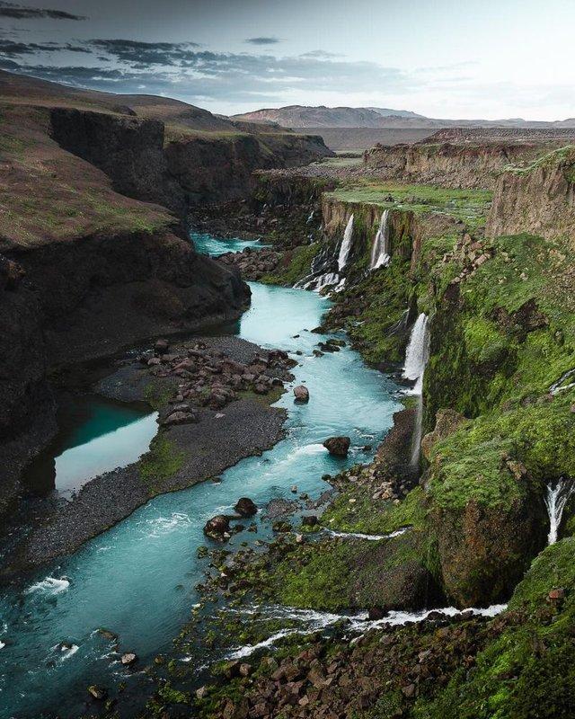 Незабутня краса Ісландії з висоти: яскраві фото мандрівника - фото 325840