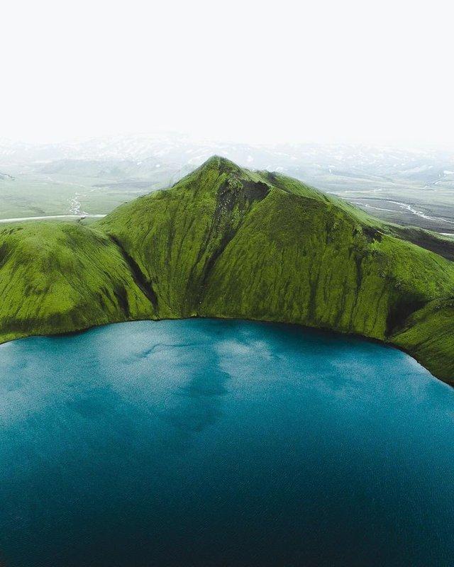 Незабутня краса Ісландії з висоти: яскраві фото мандрівника - фото 325841