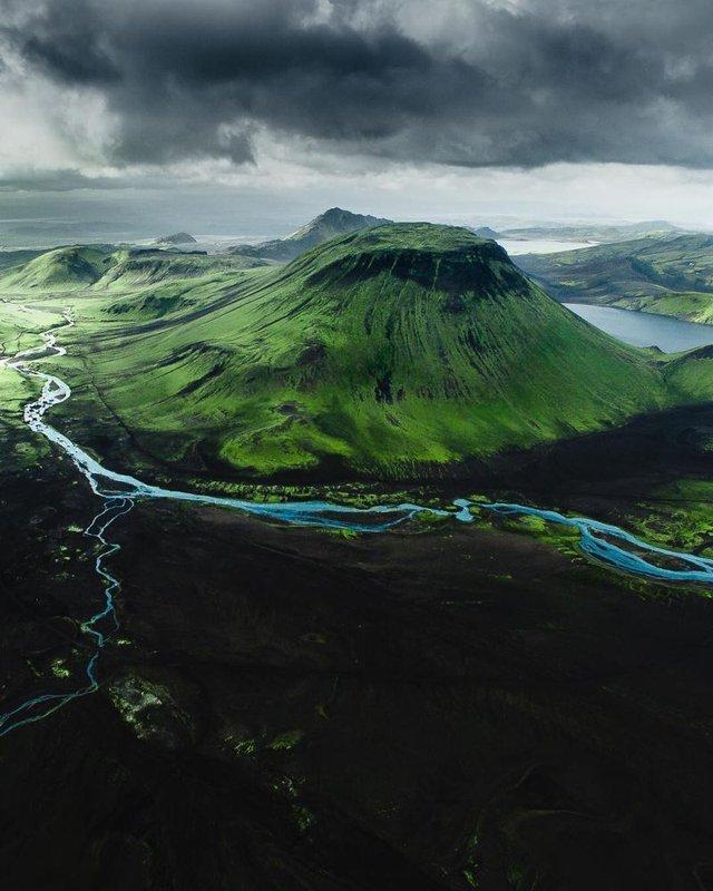 Незабутня краса Ісландії з висоти: яскраві фото мандрівника - фото 325842