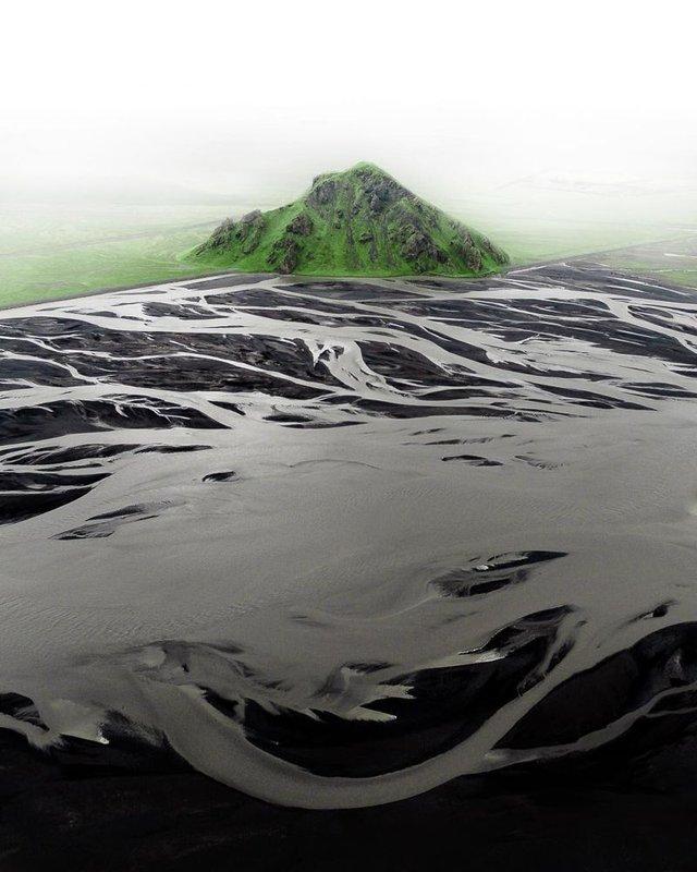 Незабутня краса Ісландії з висоти: яскраві фото мандрівника - фото 325843
