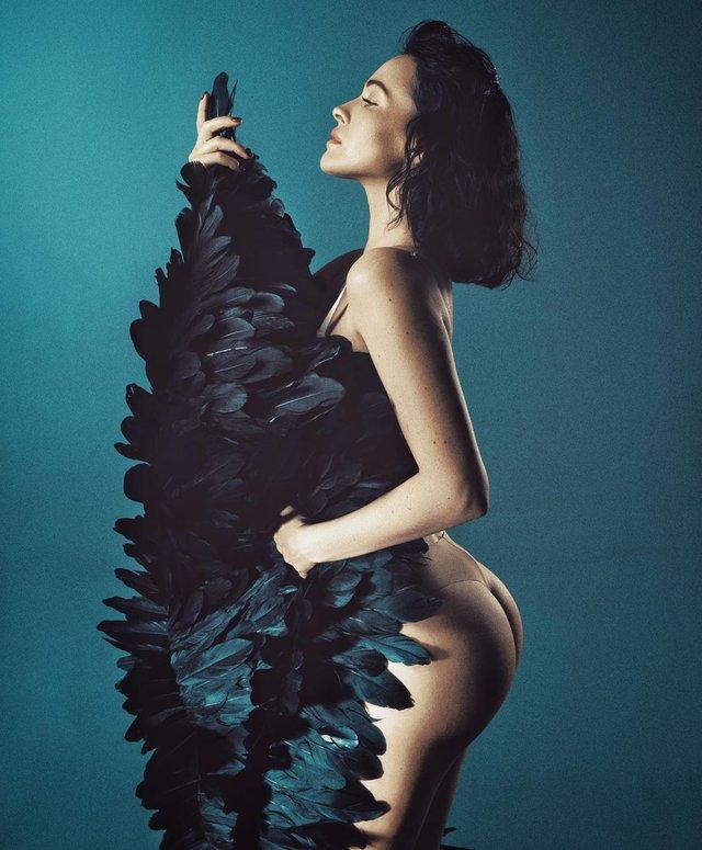 Даша Астаф'єва підкорила мережу еротичними знімками в оригінальному образі (18+) - фото 326302