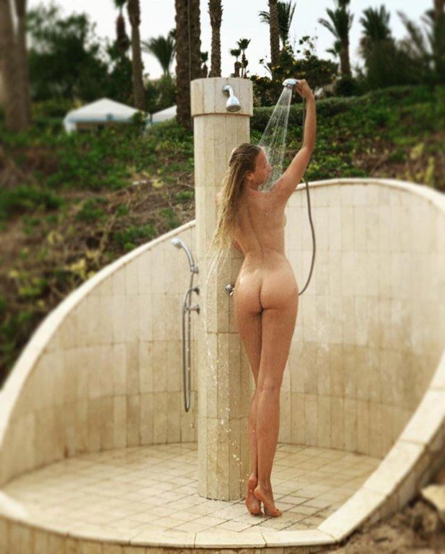 Відверта Оля Полякова приголомшила абсолютно оголеними кадрами (18+) - фото 326412