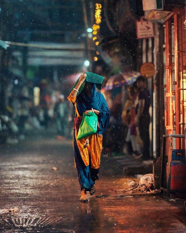 Столиця Бангладешу під час дощу: захопливі вуличні фото - фото 326526