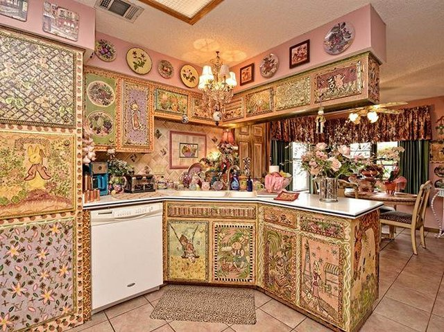Цей незатишний будинок продають за космічні гроші - фото 326595