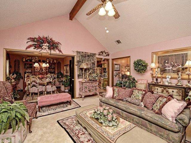 Цей незатишний будинок продають за космічні гроші - фото 326597