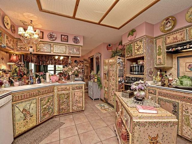 Цей незатишний будинок продають за космічні гроші - фото 326600