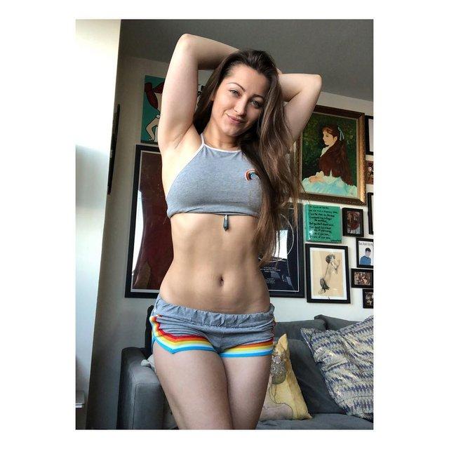 Дівчина тижня: зваблива та відверта американська порнозірка Дені Деніелс (18+) - фото 326945