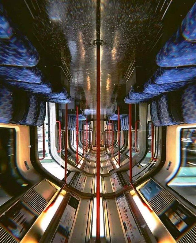 Незвичайний фотопроект: перевернуті станції метро - фото 326974