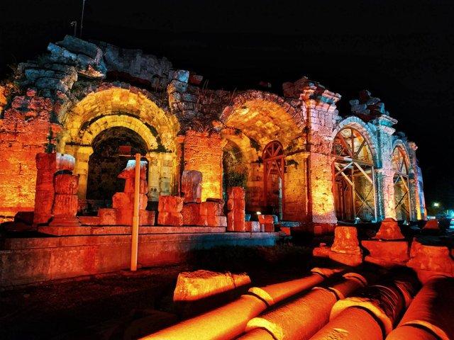 Відпочинок у Туреччині: куди піти і що подивитися в античному Сіде - фото 327399